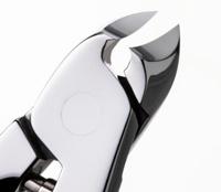 スワダのニッパ式爪切りMIRRORの刃先