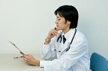 皮膚科の医者