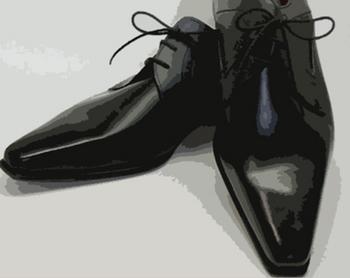 先の細い靴